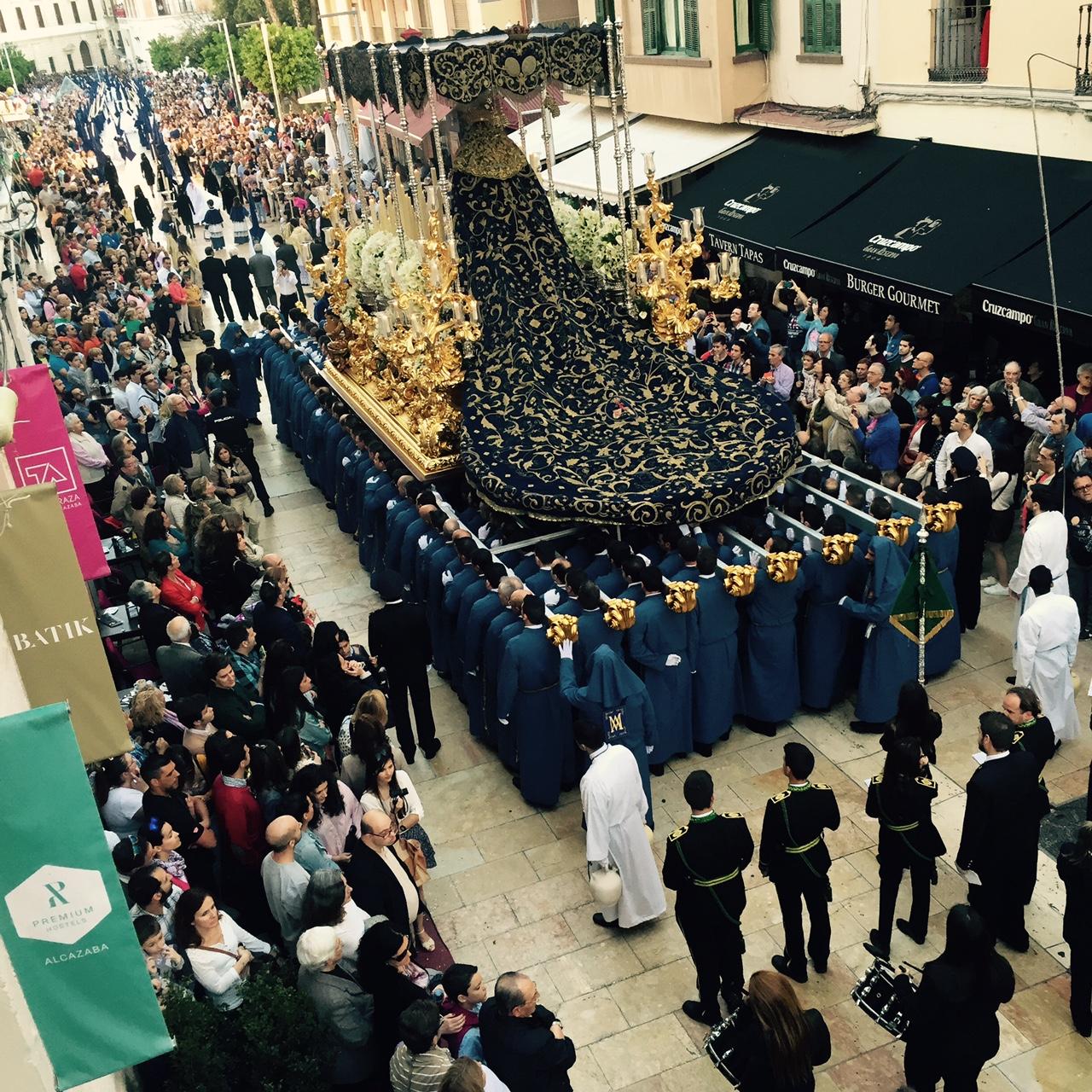 Semana Santa de Málaga desde el balcón de Alcazaba Premium Hostel