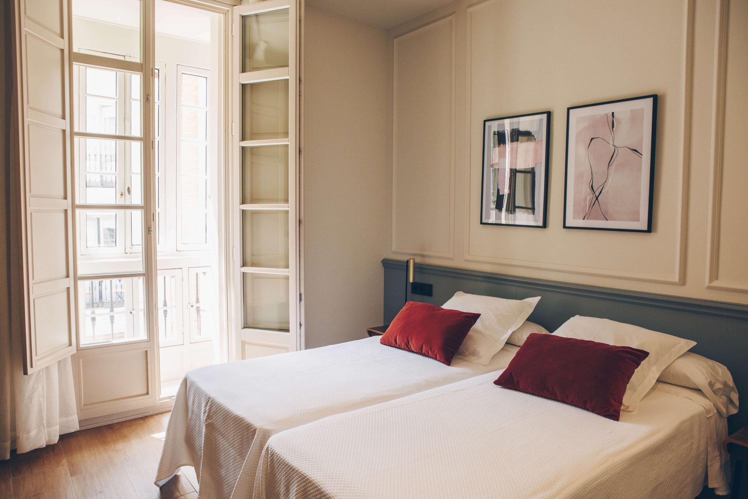twin-room-malaga-booking