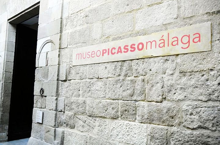MUSEUMS (2 MIN. ON FOOT, MINIMUM VISIT DURATION: 4 HOURS)