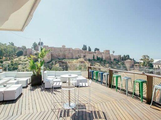 Disfruta de la terraza de Alcazaba